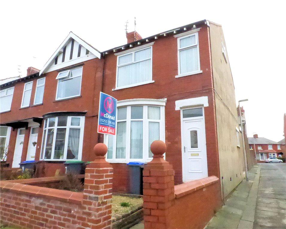 2 Bedrooms End Of Terrace House for sale in Condor Grove, Blackpool, Lancashire