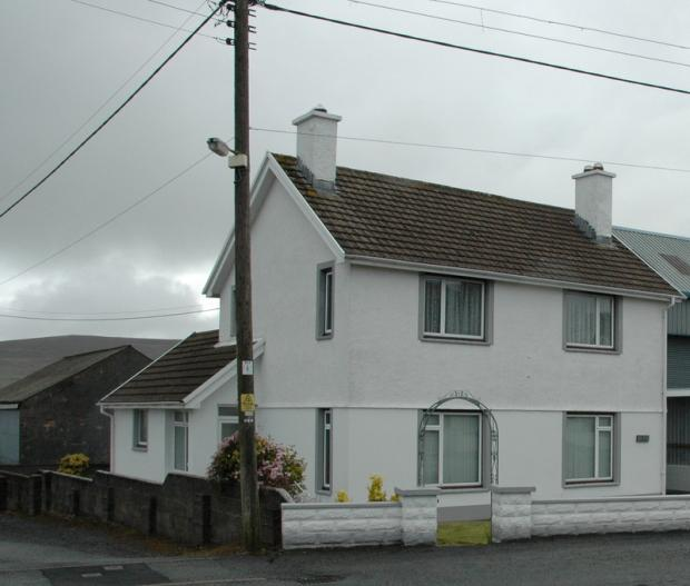 3 Bedrooms Detached House for sale in Newport Road, Crymych, Pembrokeshire