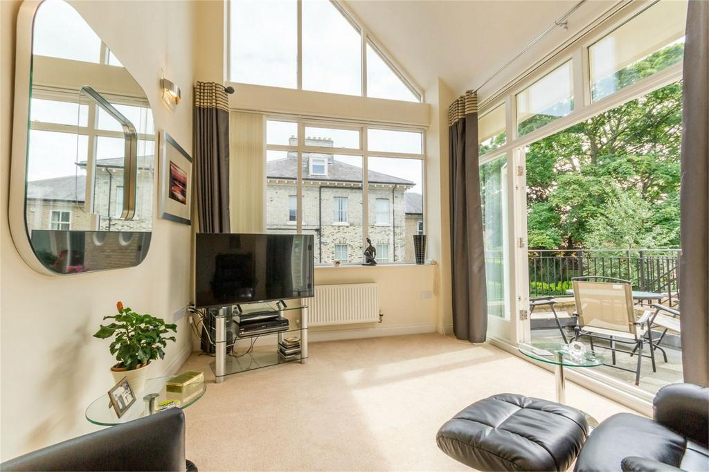 3 Bedrooms Flat for sale in Fulford Chase, York