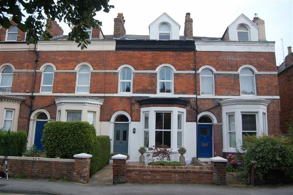 5 Bedrooms Terraced House for sale in Londesborough Road, Scarborough, North Yorkshire, YO12