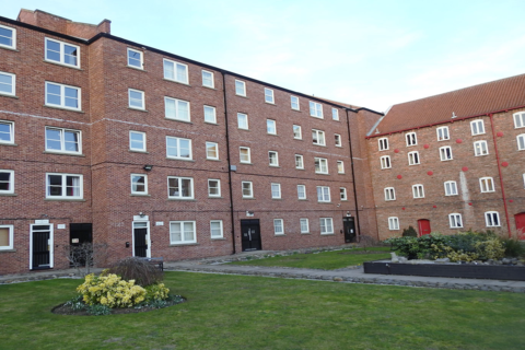 2 bedroom apartment to rent - Phoenix House, High Street, HU1