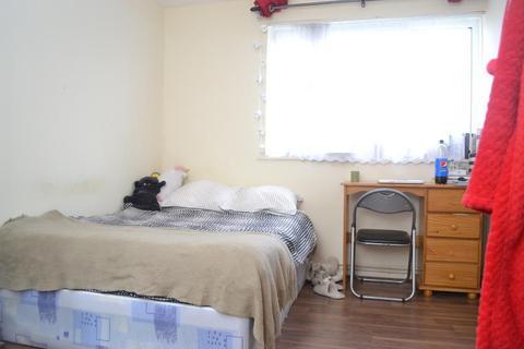 1 bedroom flat share to rent - Portia Way, Mile End, London, E3 4JG