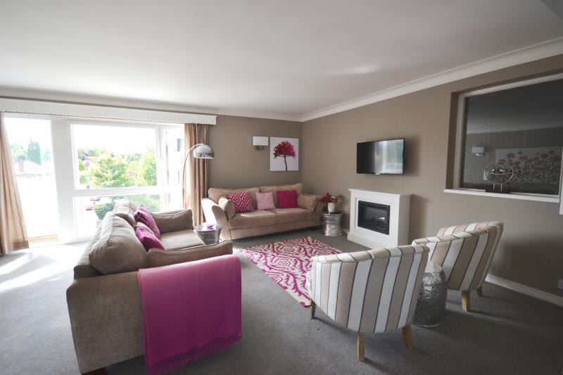 2 Bedrooms Flat for rent in Beechcroft, Kenton Road, Newcastle Upon Tyne, NE3