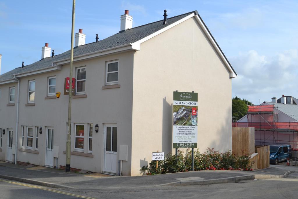 2 Bedrooms Semi Detached House for sale in Meddon Street, Bideford