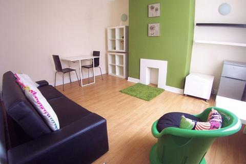 2 bedroom terraced house to rent - Thornville Street, Leeds