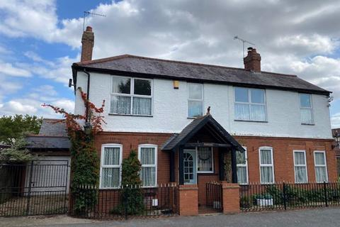 3 bedroom detached house to rent - The Green, Caddington