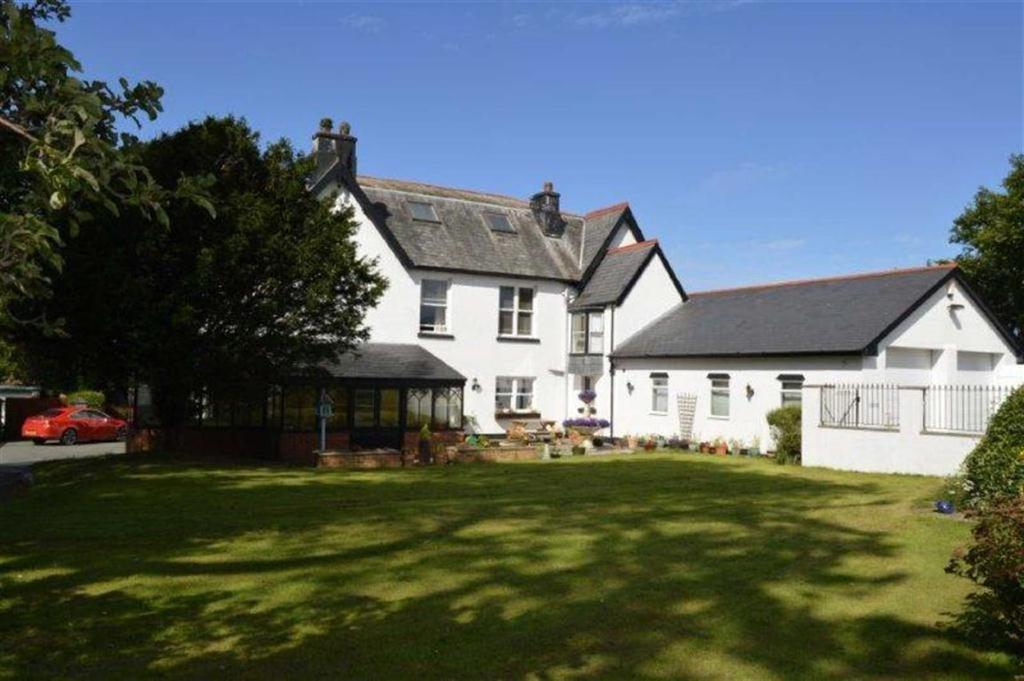 6 Bedrooms Detached House for sale in Leahurst, Aberdyfi Road, Tywyn, Gwynedd, LL36