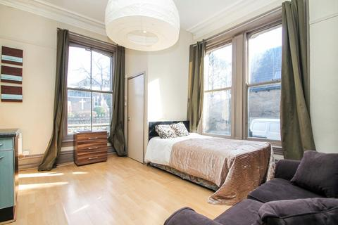 Studio to rent - Headingley Lane, Headingley