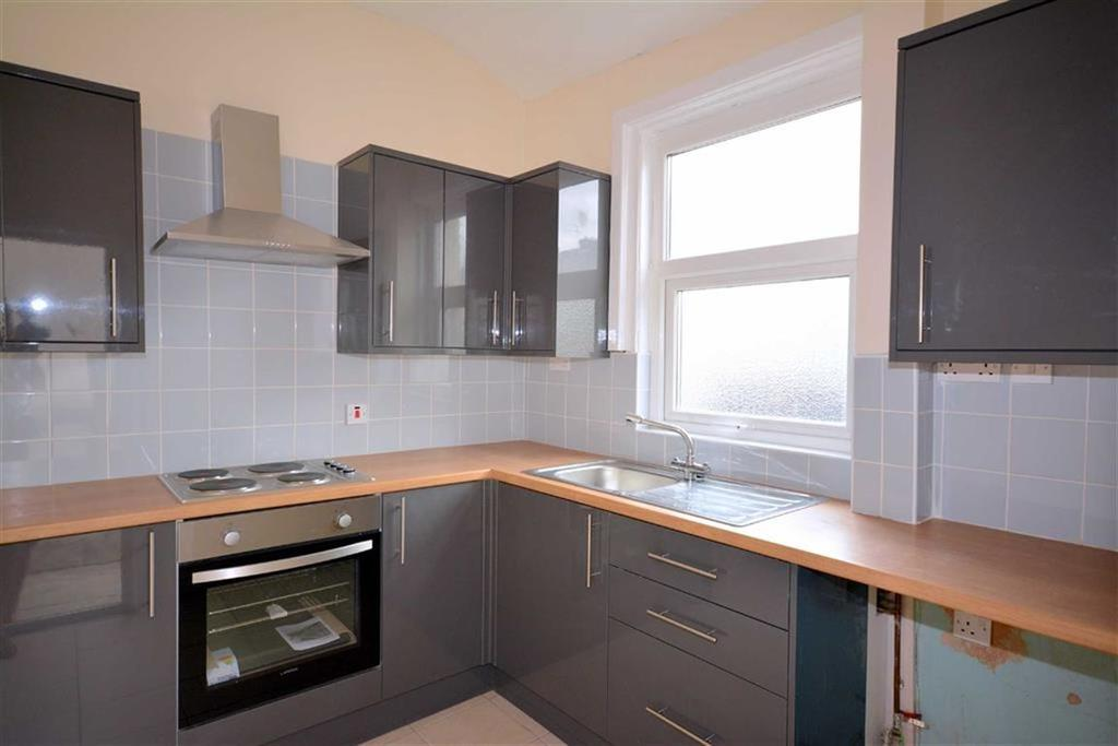 3 Bedrooms End Of Terrace House for sale in York Street, Church, Lancashire, BB5