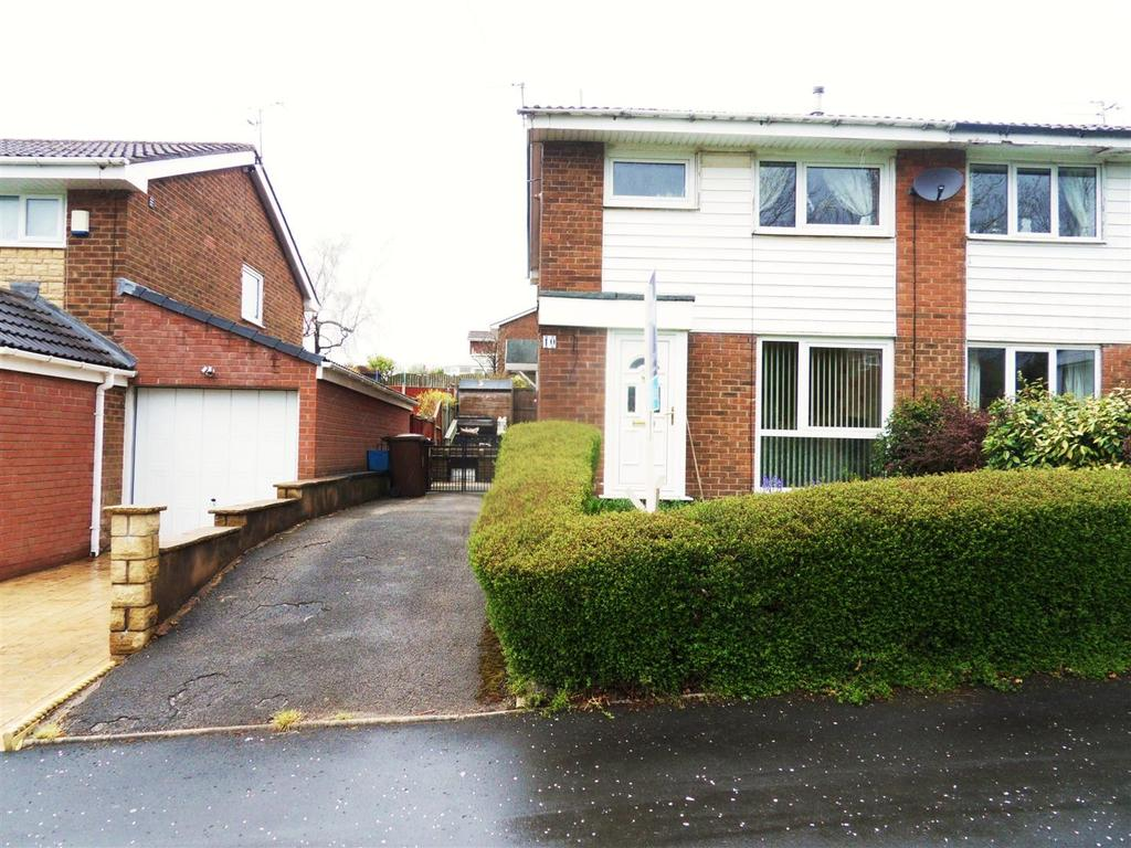 3 Bedrooms Semi Detached House for sale in Tiverton Drive, Briercliffe, Burnley
