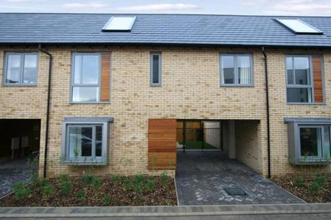 3 bedroom terraced house to rent - Spring Drive, Trumpington, Cambridge