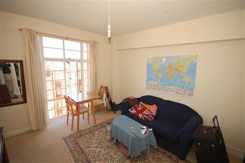 1 bedroom apartment - Kings Court, Hamlet Gardens, Hammersmith