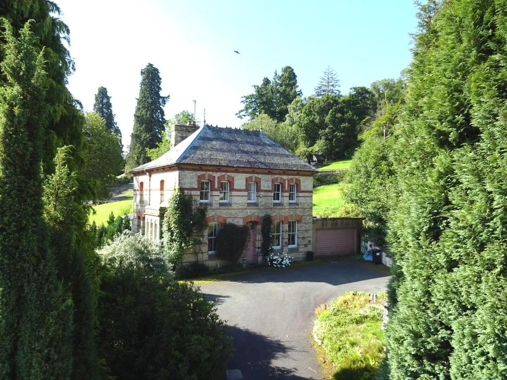 4 Bedrooms Detached House for sale in Llandinam, Powys