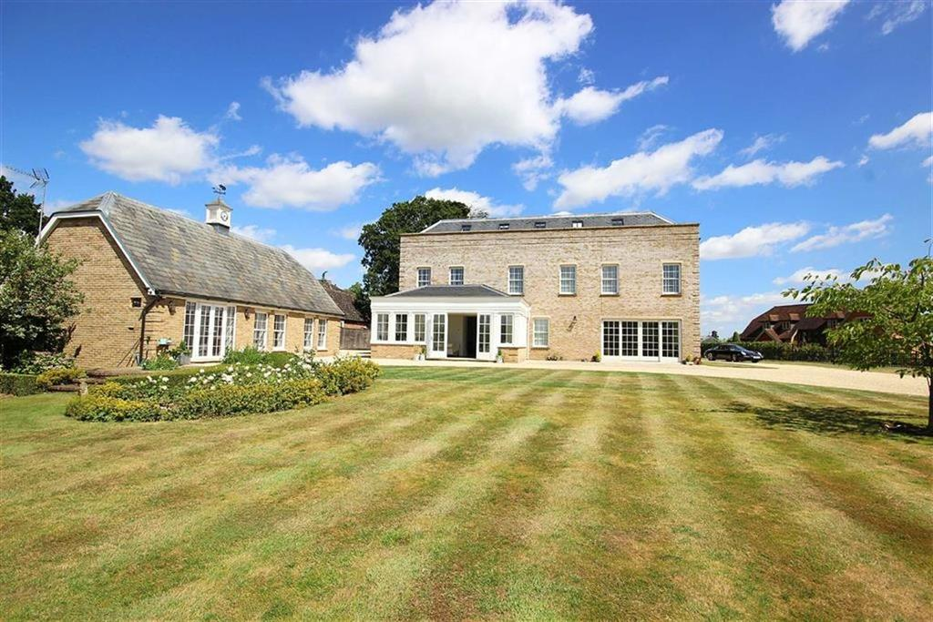 7 Bedrooms Detached House for sale in Halstead Hill, Goffs Oak, Hertfordshire