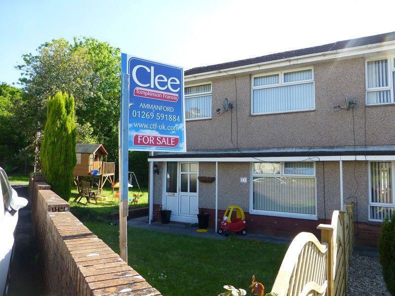 3 Bedrooms Semi Detached House for sale in Maes Y Glyn Lower Brynamman, Ammanford, Carmarthenshire.