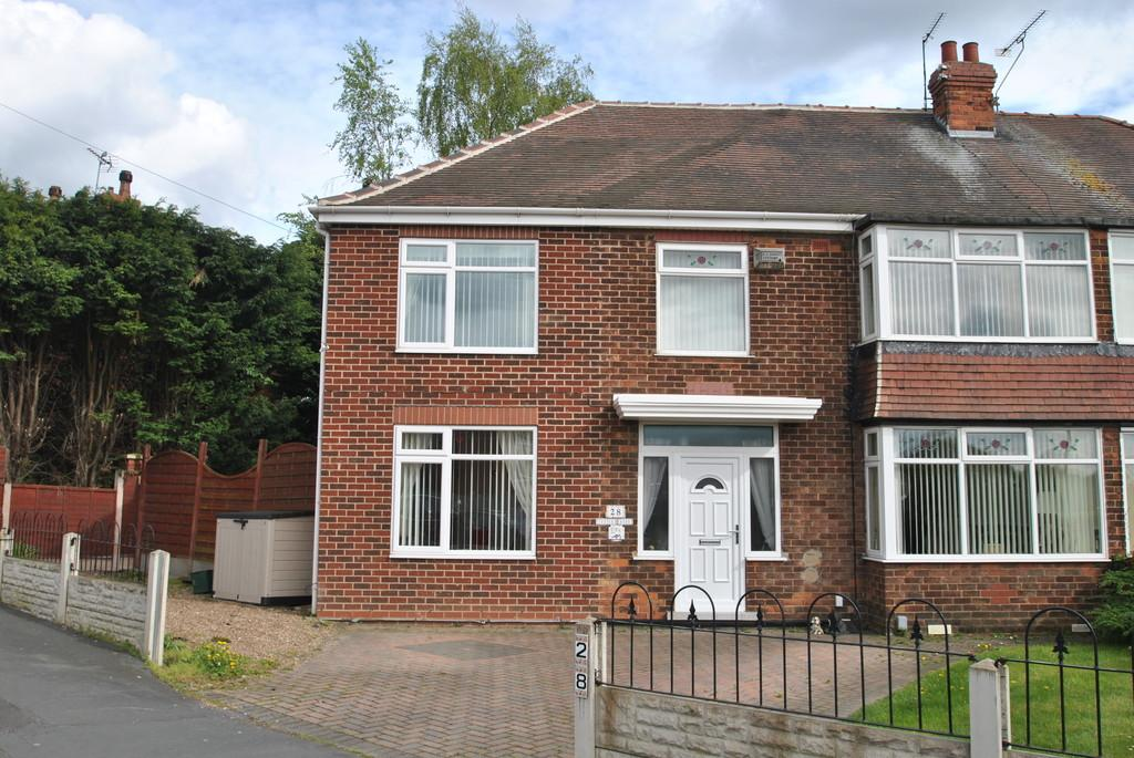 4 Bedrooms Semi Detached House for sale in Tenter Road, Warmsworth, Doncaster, DN4 9PW