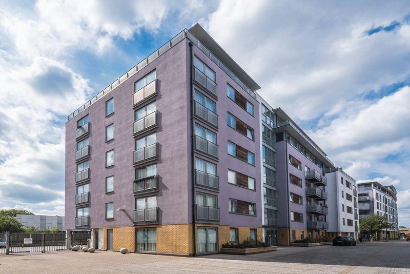 2 Bedrooms Apartment Flat for sale in Deals Gateway, Lewisham, SE13