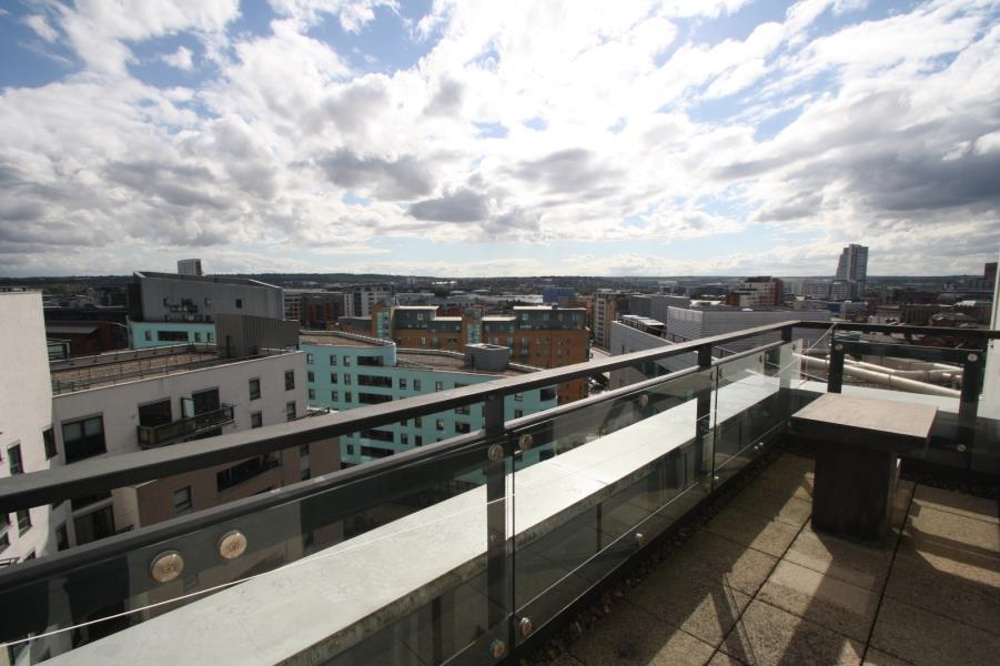 1 Bedroom Apartment Flat for sale in THE GATEWAY NORTH, CROWN POINT ROAD, LS9 8BY