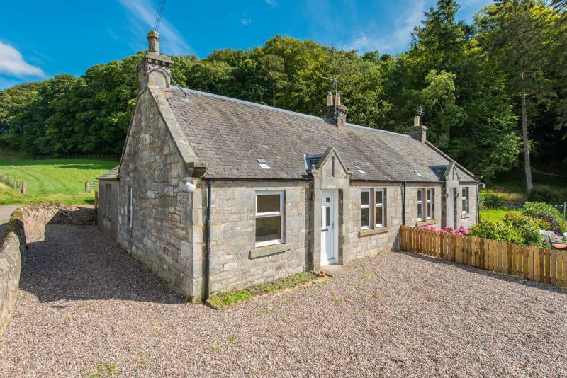 3 Bedrooms Semi Detached House for sale in North Dirdum Cottage, By Kemback, Dairsie, Fife, KY15