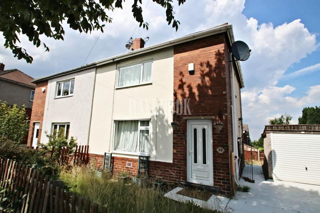 3 Bedrooms Semi Detached House for sale in Oaks Crescent