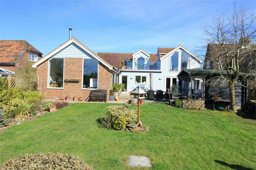 4 Bedrooms Detached House for sale in Hoath Hill, MOUNTFIELD, East Sussex