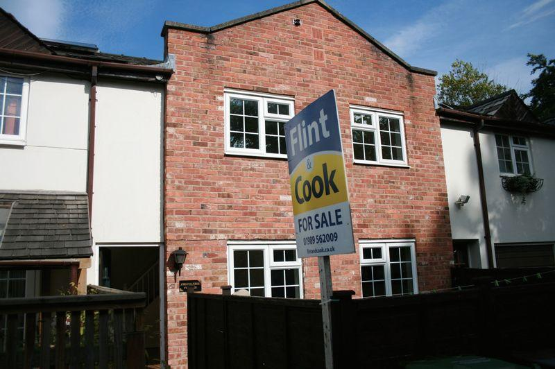 2 Bedrooms Mews House for sale in Chase Road, Ross-On-Wye