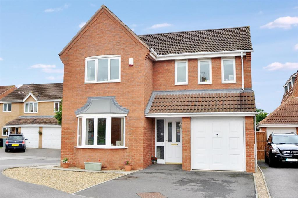 4 Bedrooms Detached House for sale in Riverview, Long Bennington