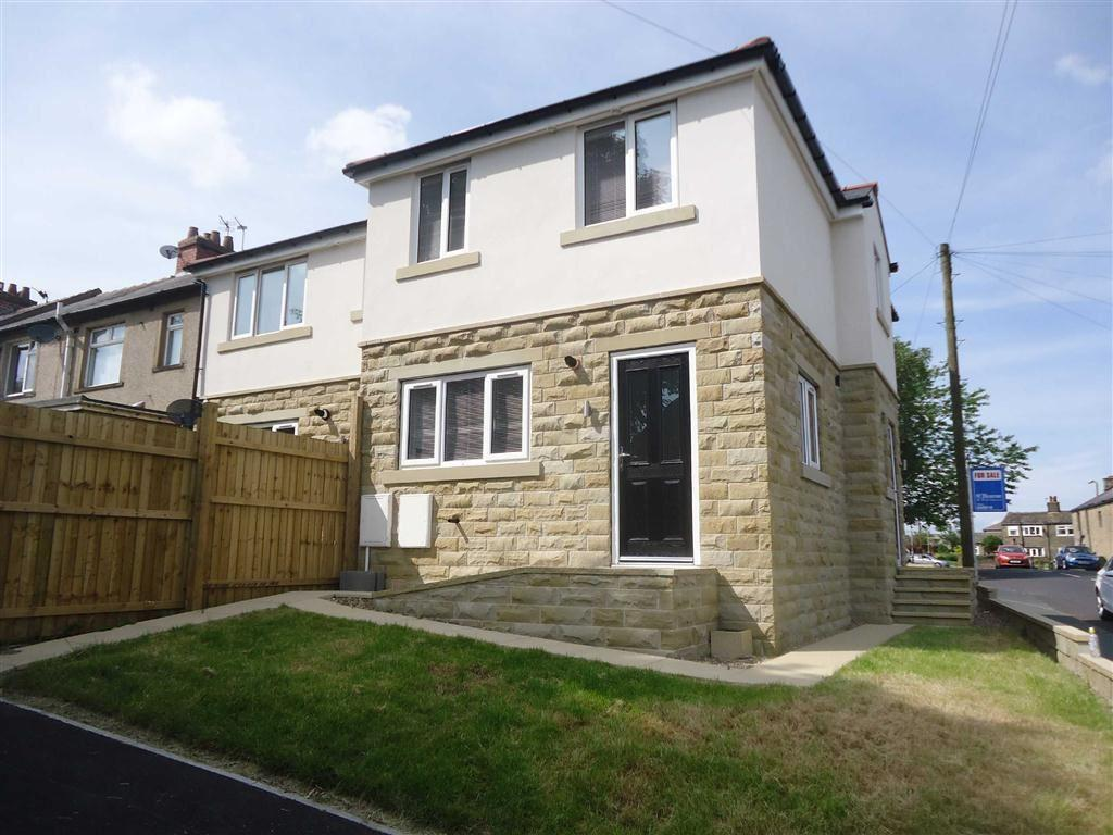 3 Bedrooms Semi Detached House for sale in Reevy Avenue, Bradford, BD6