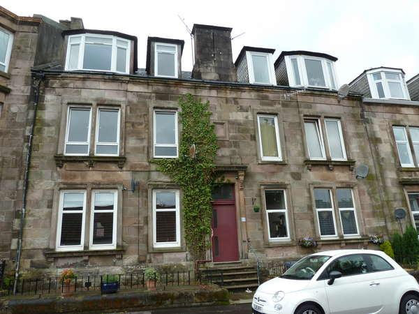 2 Bedrooms Flat for sale in 51D Royal Street, Gourock, PA19 1PP