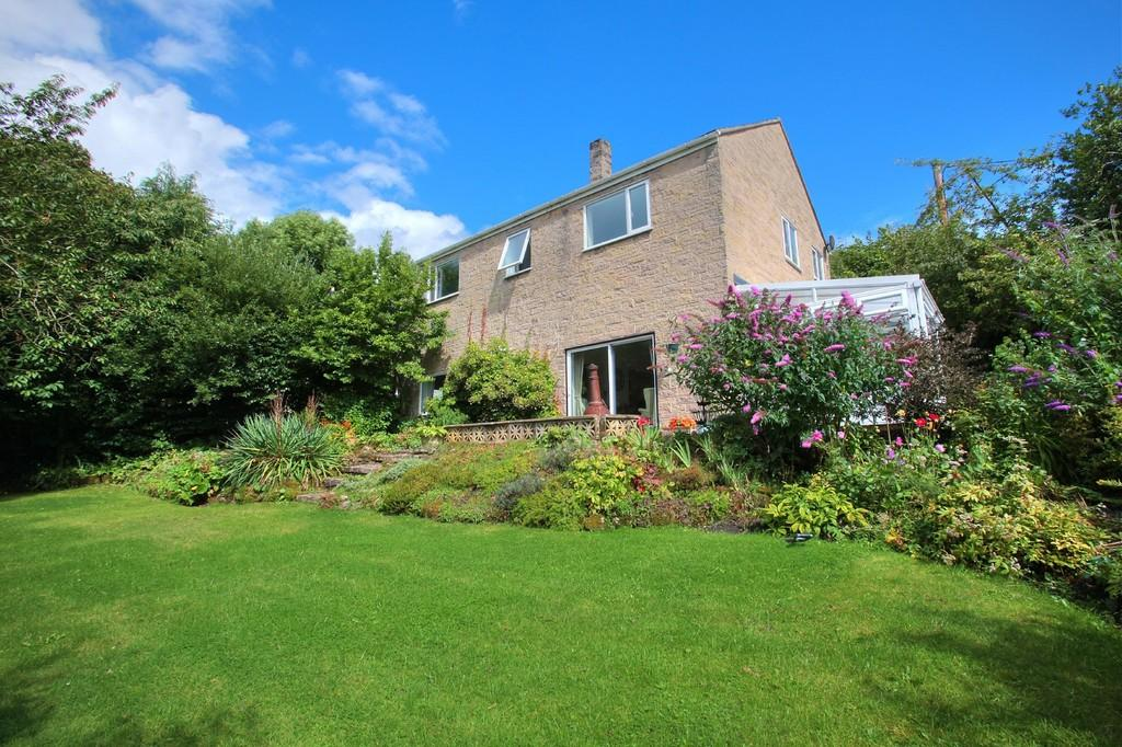 5 Bedrooms Detached House for sale in The Green, Froggatt, Hope Valley