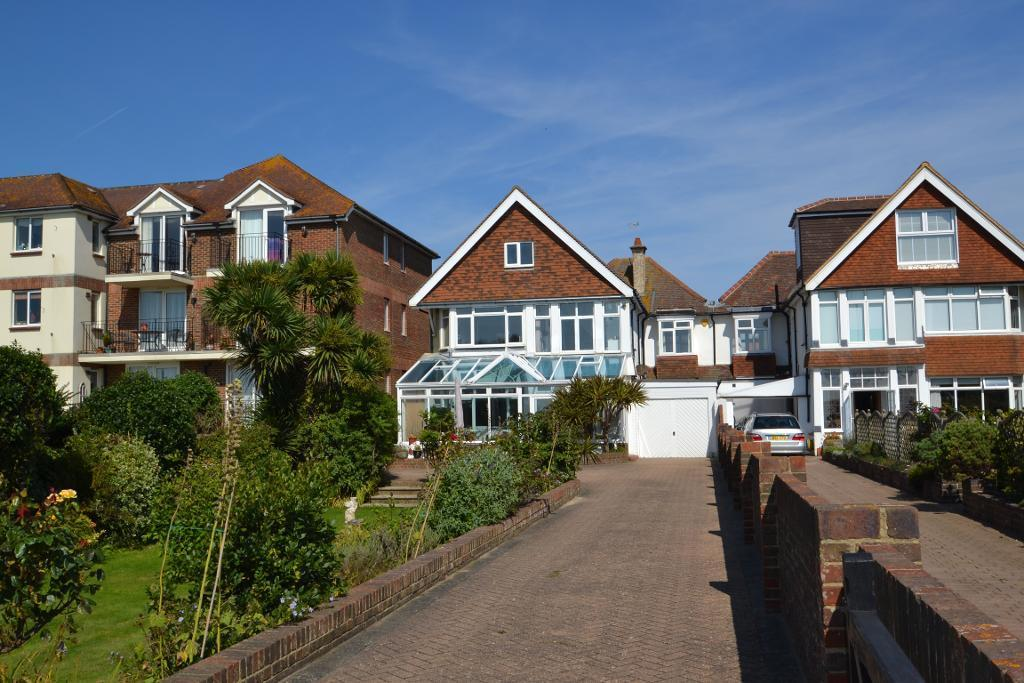 4 Bedrooms Link Detached House for sale in West Parade, Worthing, West Sussex, BN11 3QP