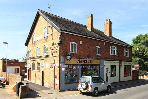 Property to rent - WOMBOURNE, High Street