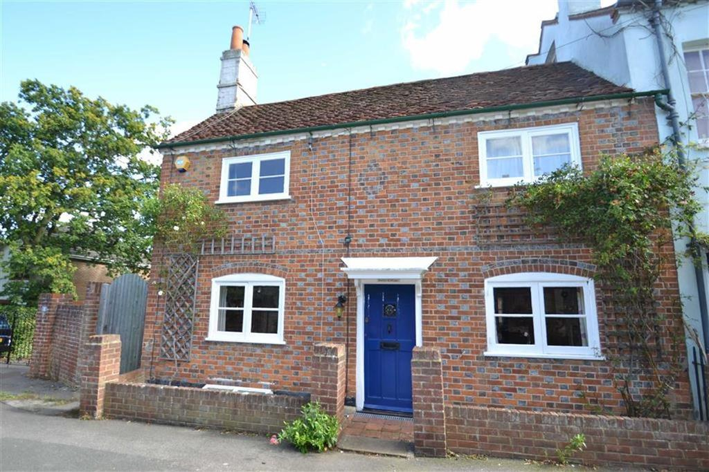 3 Bedrooms Semi Detached House for sale in Surley Row, Emmer Green, Reading