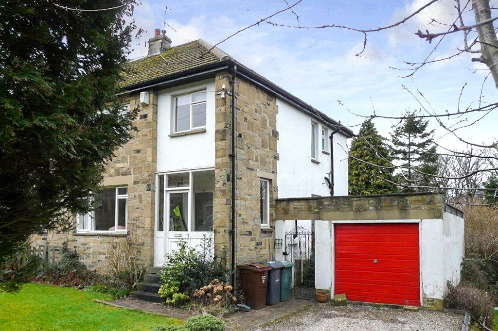 3 Bedrooms Semi Detached House for sale in Nab Wood Drive, Nab Wood, Shipley