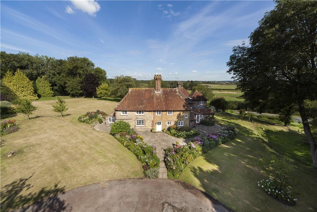 7 Bedrooms Detached House for sale in Toat Lane, Pulborough, West Sussex, RH20