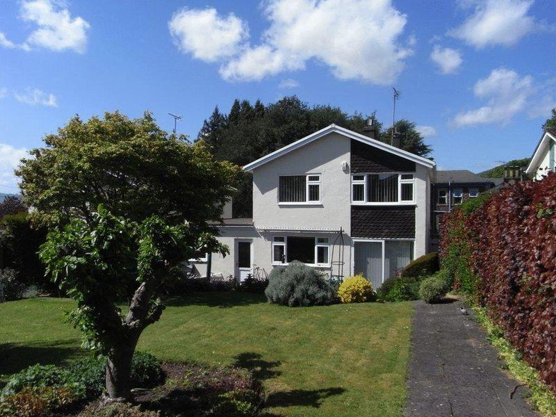 3 Bedrooms Detached House for sale in Belmont Road, Abergavenny