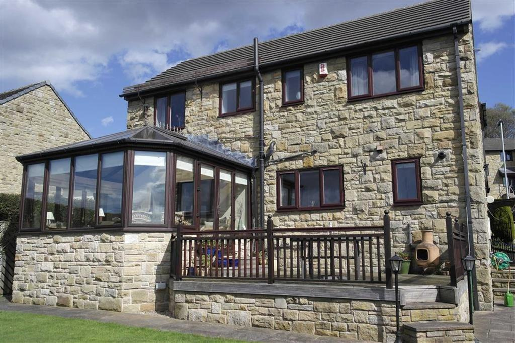 5 Bedrooms Detached House for sale in Dukewood Road, Clayton West, Huddersfield, HD8
