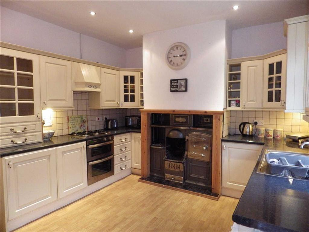 2 Bedrooms Terraced House for sale in Riley Street, Bacup, Lancashire, OL13