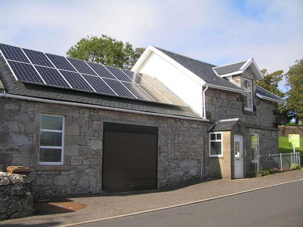 3 Bedrooms Cottage House for sale in 1 Crawford Street, Millport, Isle of Cumbrae, KA28 0EX