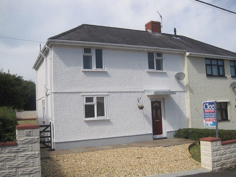 3 Bedrooms Semi Detached House for sale in Gwernant Cwmllynfell, Swansea.
