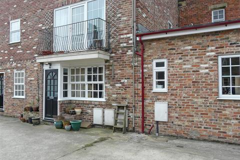2 bedroom apartment to rent - Wilton Court, Pocklington