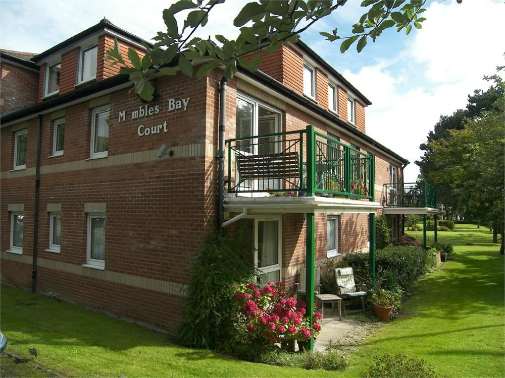 2 Bedrooms Flat for sale in Mayals Road, Blackpill, Swansea, West Glamorgan