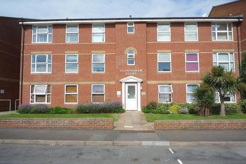 1 bedroom flat to rent - Ringmer Road, Seaford, E Sussex, BN25 1AW
