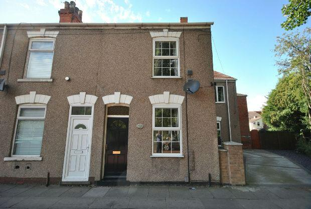 2 Bedrooms Terraced House for sale in New Cartergate, Grimsby