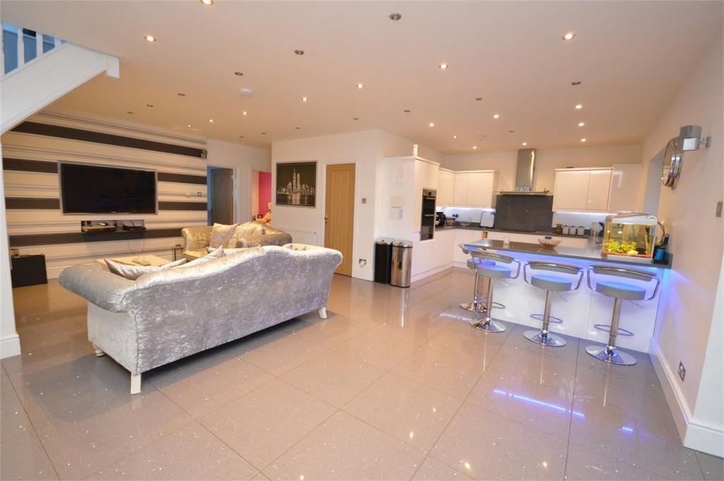 4 Bedrooms Detached House for sale in 45 Weald Bridge Road, North Weald, Essex
