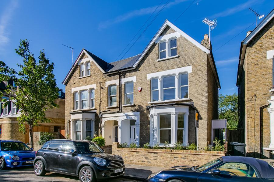5 Bedrooms Semi Detached House for sale in Elm Road, East Sheen, SW14