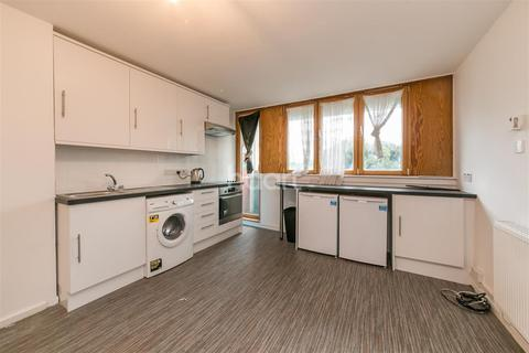3 bedroom flat to rent - Talfourd Place; SE15