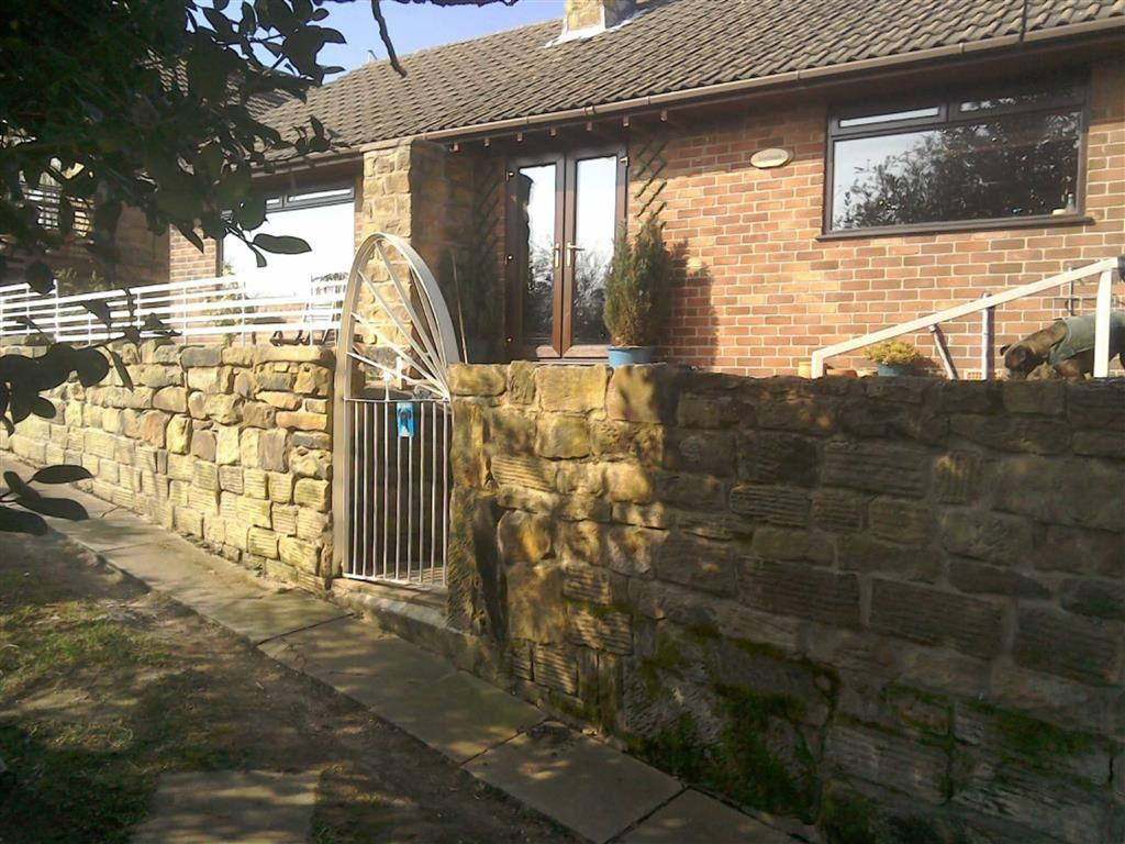 3 Bedrooms Detached Bungalow for sale in White Cross Road, Cudworth, Barnsley, S72