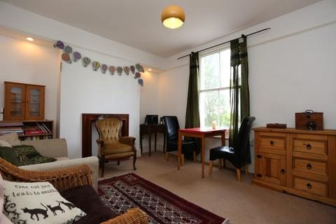 2 bedroom flat to rent - Upper North street, Brighton