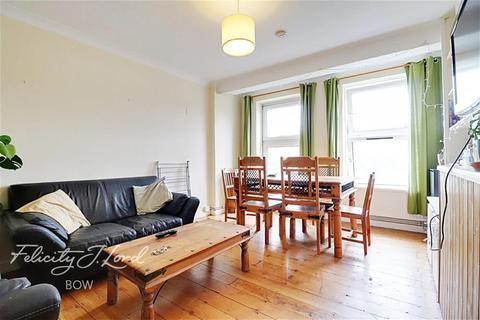 3 bedroom flat to rent - Halkett House, E2